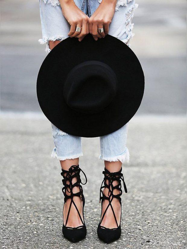 Женская обувь с пряжками 2020