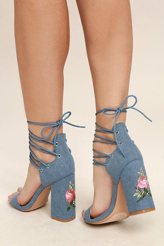 босоножки со шнурками