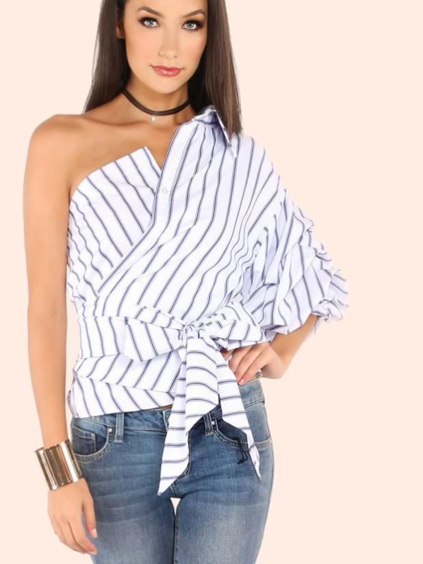 блузка с открытым плечом