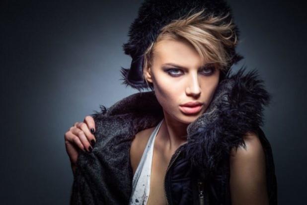 Модные луки женские меховые головные уборы
