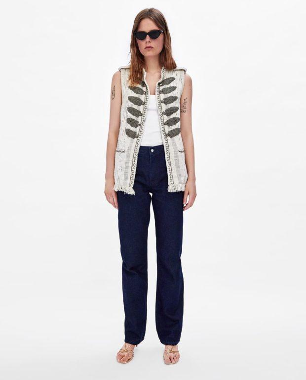 модные луки: джинсовый жилет