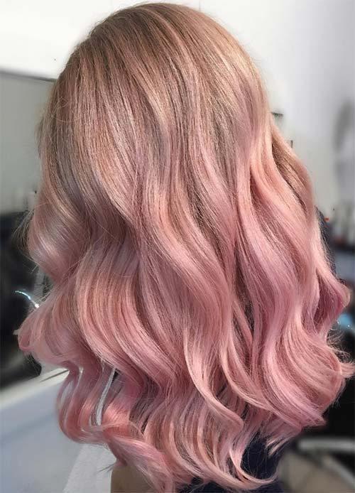 эффектное окрашивание с розовыми и лиловыми отливами на длинные волосы 2018-2019 фото