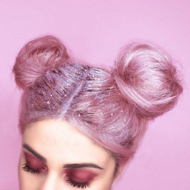 Модное окрашивание на короткие волосы: с розовыми и лиловыми отливами