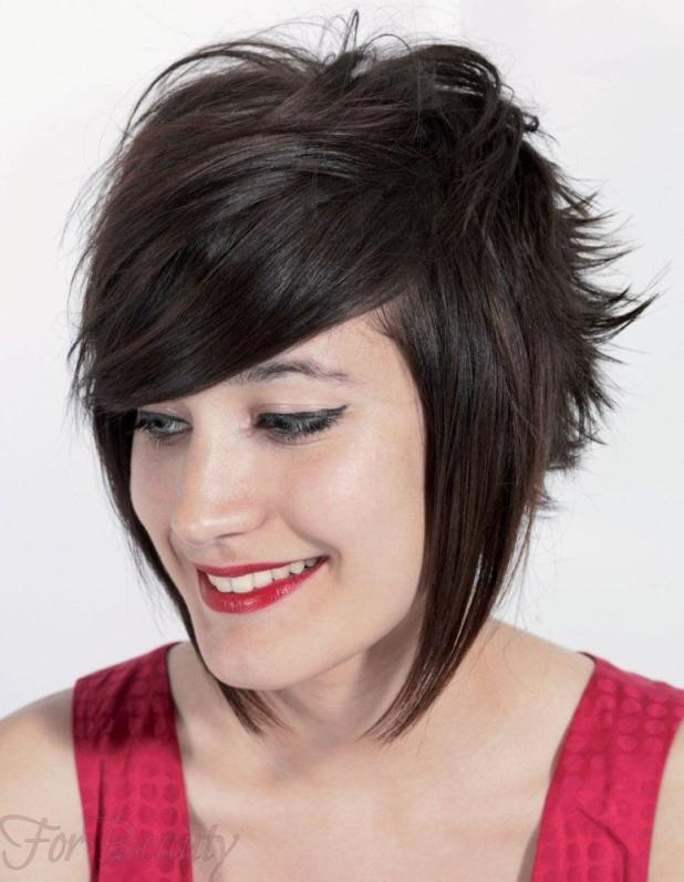 стильная стрижка «Каскад» на средние волосы с челкой 2018 фото