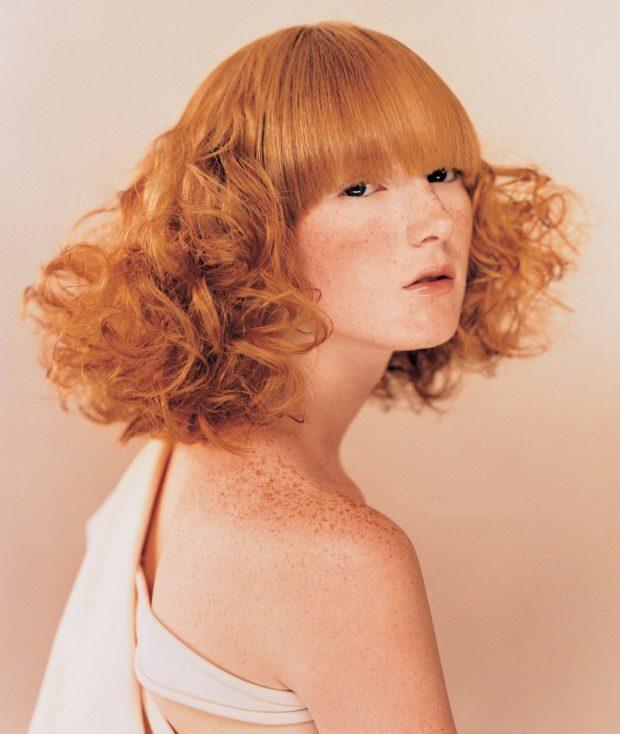 прическа с волнистыми волосами после 30