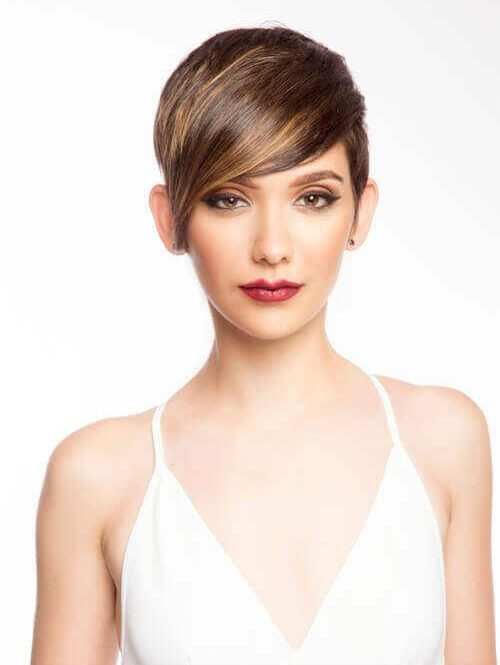 Женские короткие стрижки для средних волос: модные тенденции