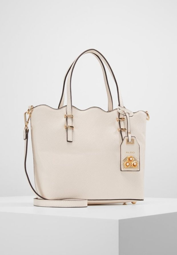 Модные бежевые сумки осень зима 2019 2020