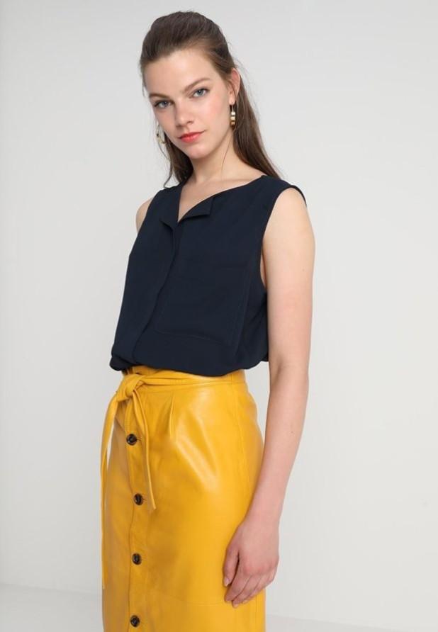 Модная черная женская блузка 2018-2019