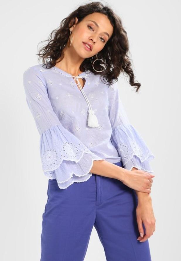 Модная голубая женская блузка 2018-2019