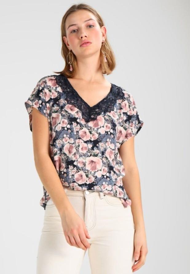 Модная цветная женская блузка 2018-2019