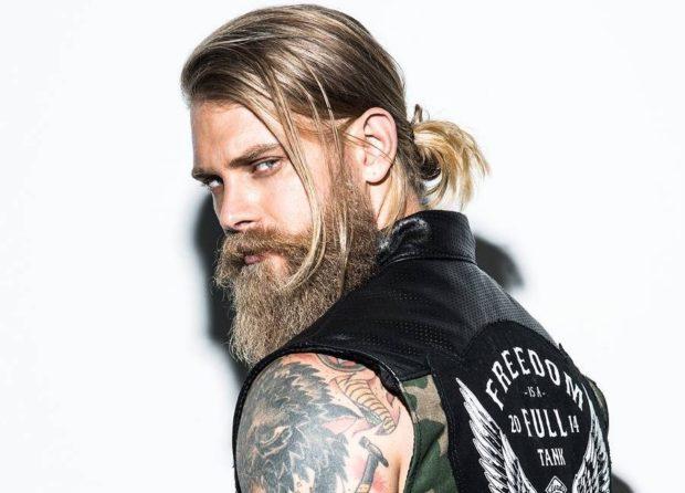 Мужские стрижки с челкой модные тенденции новинки фото на длинные волосы