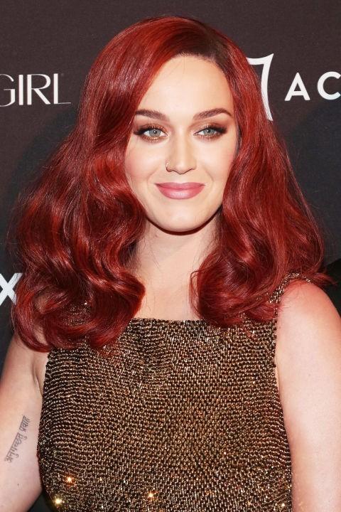 стильное окрашивание с винным оттенком на длинные волосы 2018 фото