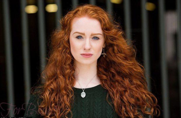 Модное окрашивание в красный цвет на длинные волосы 2018-2019 фото