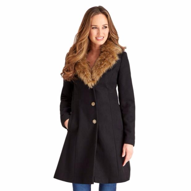 Пальто 2018-2019 года: женское модное с меховой отделкой