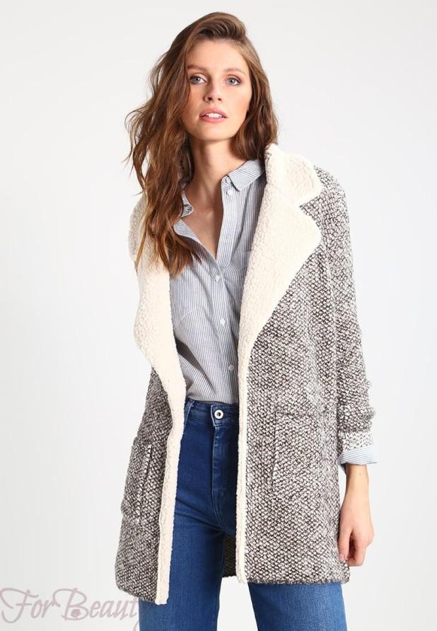 Женское стильное пальто с меховой отделкой 2018 фото новинки
