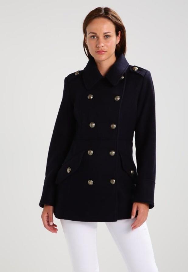 пальто модные тенденции: Женский стильный укороченный бушлат