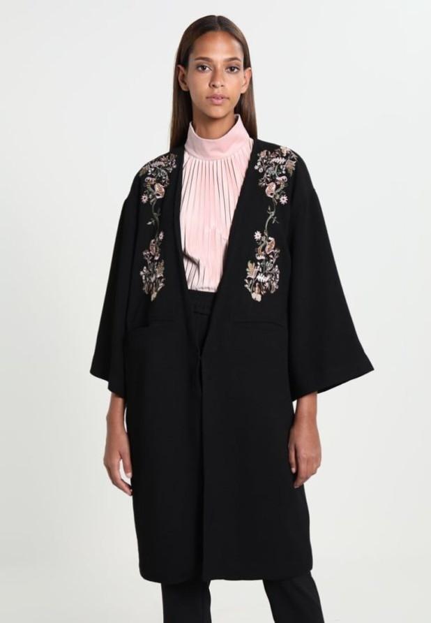 пальто модные тенденции: Женское с рукавами три четверти с принтом