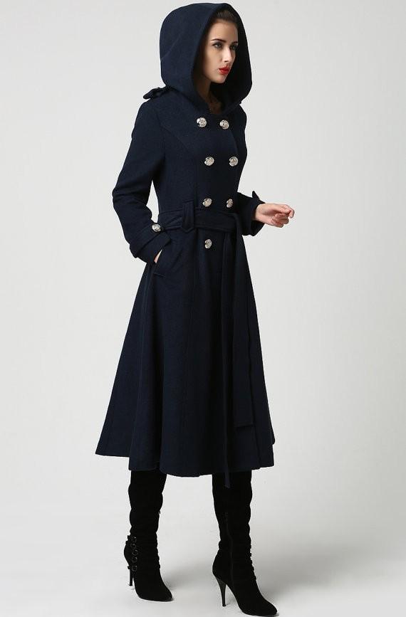 пальто модные тенденции: Женское длинное с капюшоном