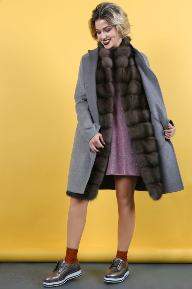 Женское пальто с меховой отделкой 2018