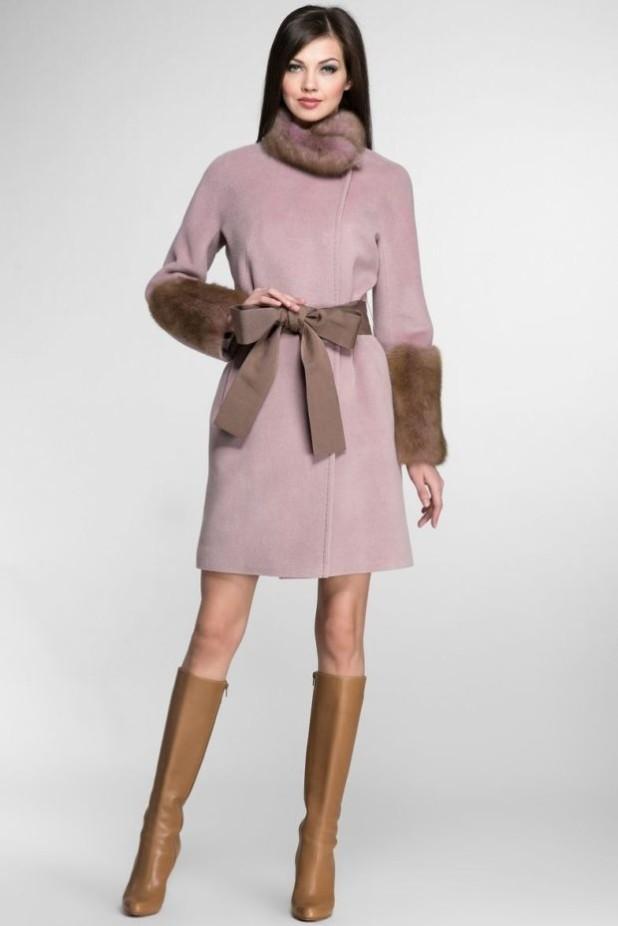 Пальто 2018-2019 года: Женское с меховой отделкой