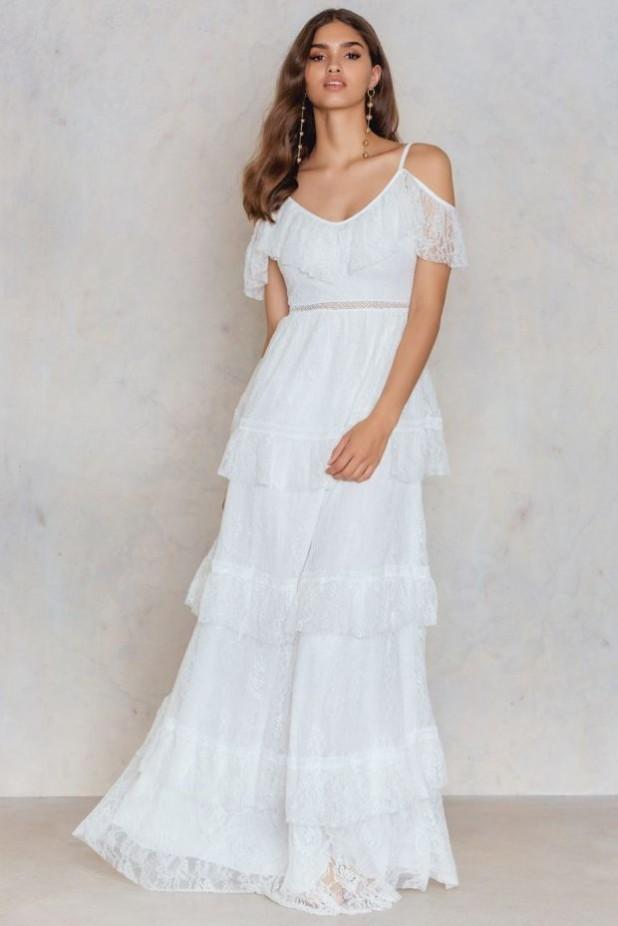 модные платья: кружевные макси