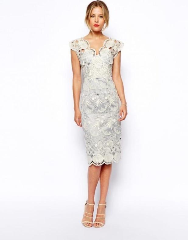 модные платья: белое кружевное