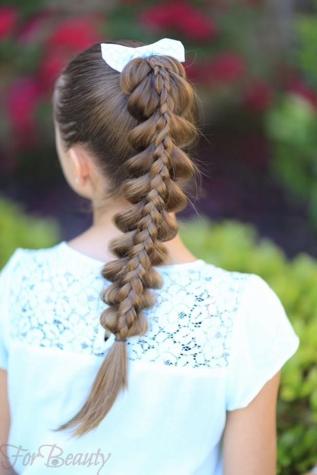 Прическа «Французская коса с хвостика» на 1 сентября для девочек