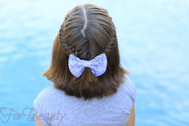 Причёска с распущенными волосами с бантом на 1 сентября для девочек