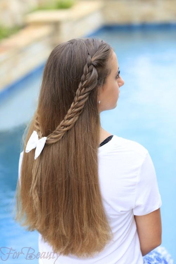 Причёска с распущенными волосами с бантом на 1 сентября для девочек фото