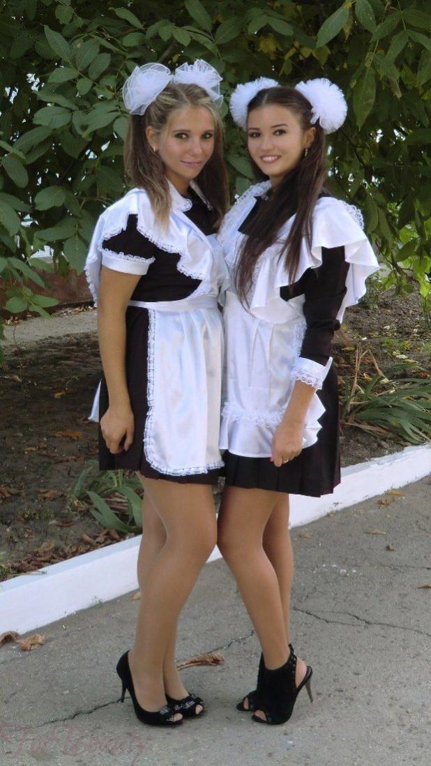 Два хвоста украшенные бантами на 1 сентября для девочек
