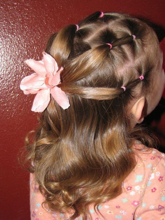 Модная причёска «Сеточка» на 1 сентября на длинные волосы фото