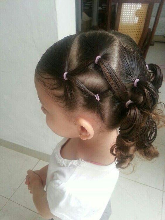 Модная причёска «Сеточка» на 1 сентября на длинные волосы