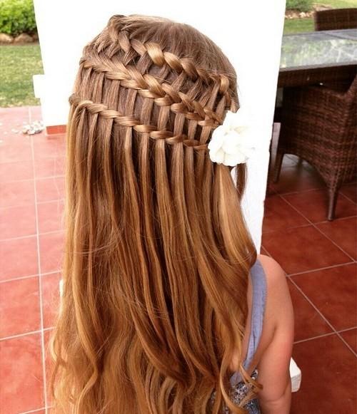 Модная причёска «распущенные волосы» на 1 сентября на длинные волосы фото