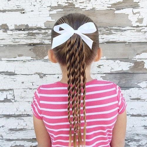 Модная причёска конский хвост на 1 сентября на длинные волосы фото