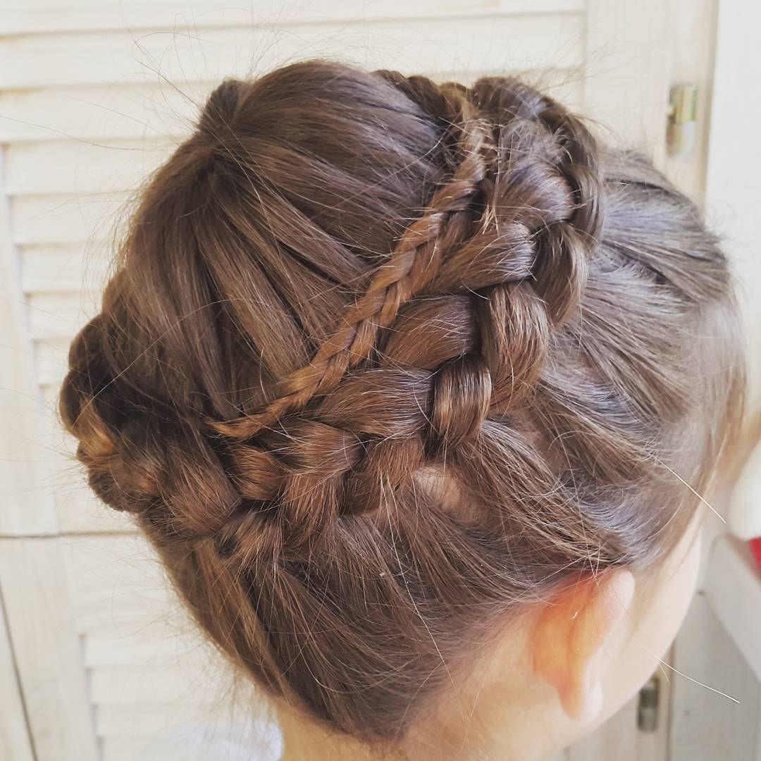 причёска «французская коса» на 1 сентября на длинные волосы