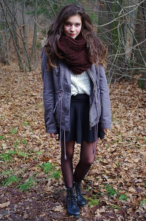 Цветовые решение: как правильно подобрать шарф к пальто