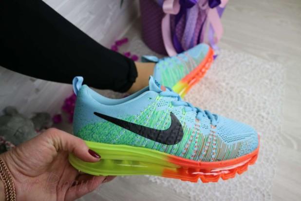яркие женские кроссовки 2018