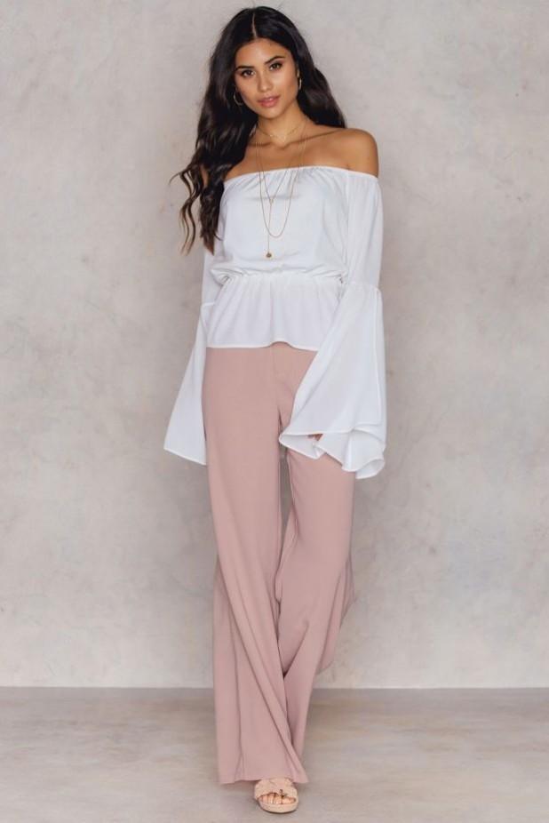 брюки женские модные тенденции: широкие розовые