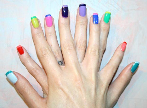 Цветной френч на ногтях 2018-2019 года