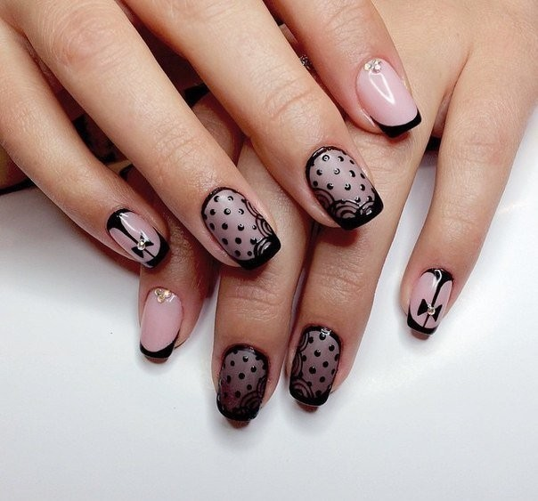 Кружевной френч на ногтях