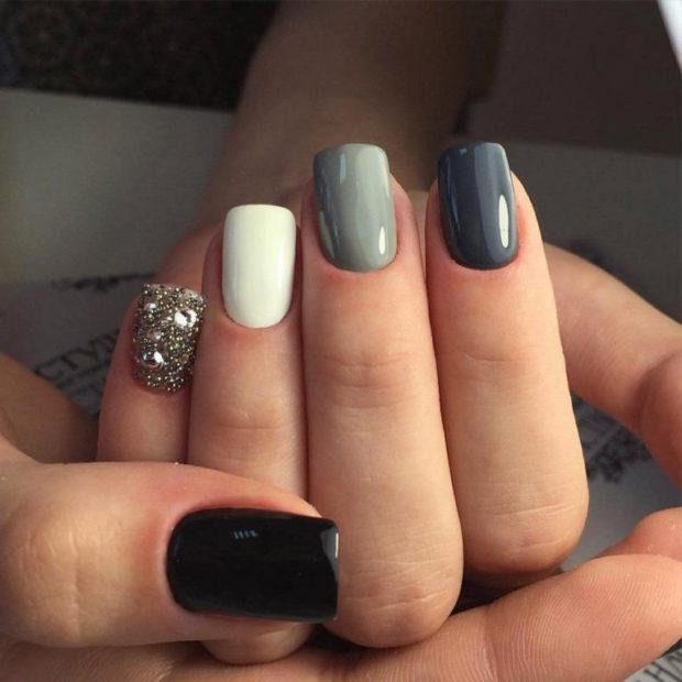 Серый красивый маникюр