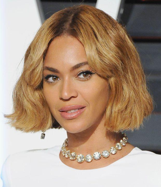 модная стрижка каре на короткие волосы для женщин за 40