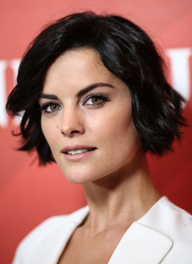 необычные стрижки на короткие волосы для женщин за 40