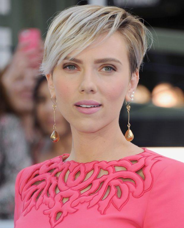 стильная стрижка боб на короткие волосы для женщин за 40