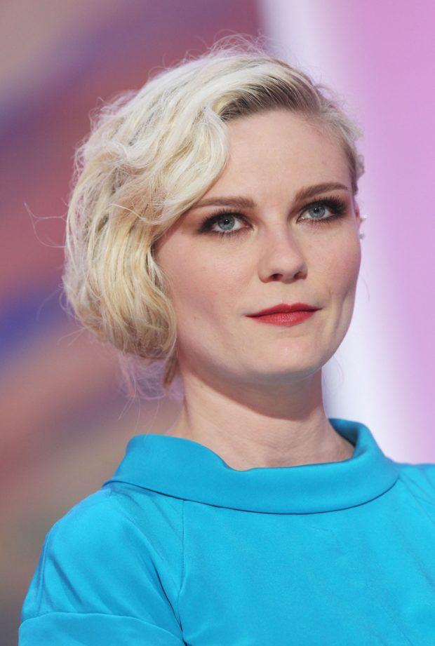 Стрижкабоб-карена короткие волосы фото для женщин за 40 для блондинок