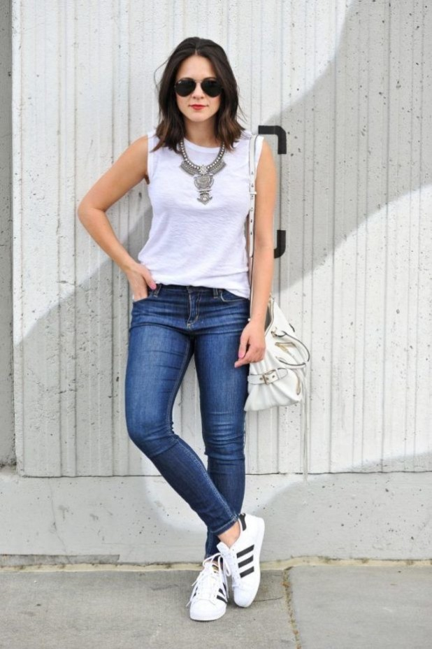 Классические джинсы женские фото