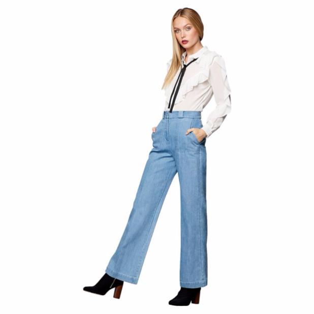 женские джинсы: голубые клеш