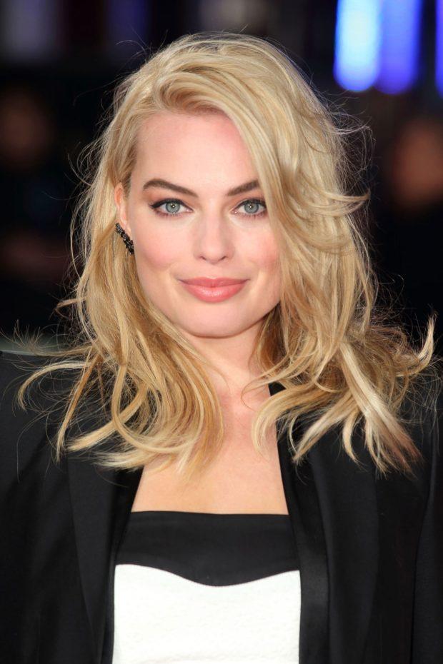 стильные прически лесенка 2018 женские на средние волосы фото