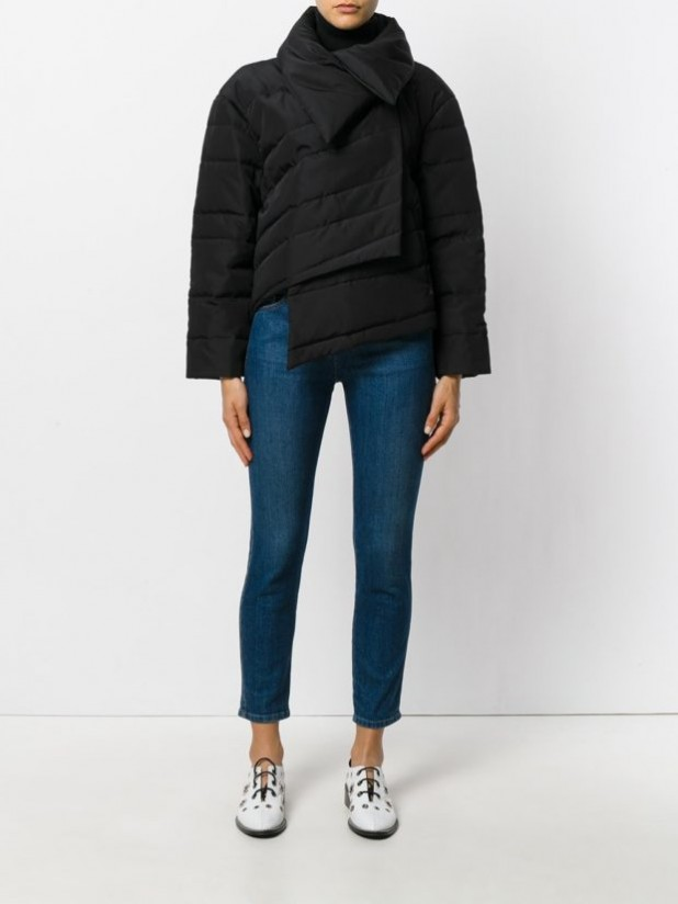 Модные женские пуховики: асимметрия короткий косуха на зиму