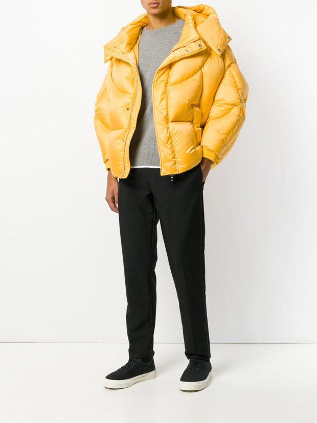 Модные женские пуховики зима 2019-2020: желтый короткий